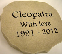 sandstone memorial for cleopatra with love message